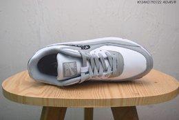 图3_真标半码 耐克Nike Air Max 90 迪奥联名经典耐克MAX90气垫跑鞋 鞋面由皮革和织物混合打造而成 多色调组合打造出十分出众的上脚视觉效果 网布鞋面增强透气性 穿着极为舒适 经典可视气垫醒目依旧 而脚感更是十足软弹 size 如图K124K0710722