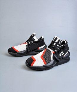 图3_终端放店Adidas Y 3 Kaiwa Chunky Sneakers 暗黑先锋 官方一致细节可拆卸两穿风格 多层组合大底 轻量不踩空脚感 YohjiYamamoto三本耀司 Y 3 Kaiwa Chunky Primeknit Training针织凯瓦系列复古百搭老爹鞋Chunky Sneakers 正是时下最热门的鞋型 而这双由山本耀司设计的 Kaiwa 在 蹭 了热点的同时又保持了 Y 3 的外观辨识度 尺码 36 37 38 39 40 41 42 43 44 45