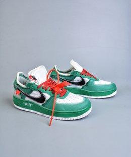 图1_终端放店OFF WHITE x Nike Air Force 1 OW联名空军一号 DIY配色 韩国进口网纱 鞋款延续了此次联名的设计风格 鞋身内侧同样印有大面积标语 奶白色水晶中底点缀醒目的 AIR 字样 保障了鞋款极高的辨识度 货号 AO4606GJ尺码 40 40 5 41 42 42 5 43 44 44 5 45