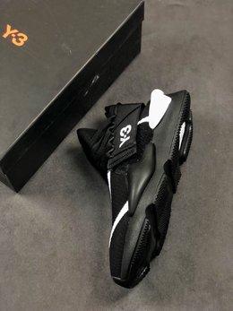 图3_公司级 Y 3 Kaiwa Chunky Sneakers 暗黑先锋可拆卸两穿风格 多层组合大底 轻量不踩空脚感 YohjiYamamoto三本耀司 Y 3 Kaiwa Chunky Primeknit Training针织凯瓦系列复古百搭老爹鞋Chunky Sneakers 正是时下最热门的鞋型 而这双由山本耀司设计的 Kaiwa 在 蹭 了热点的同时又保持了 Y 3 的外观辨识度 尺码 36 45半码