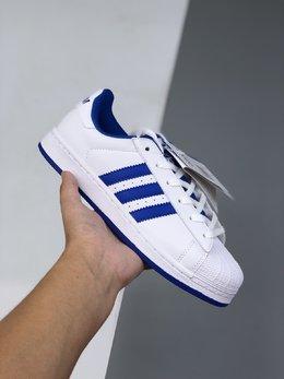 图1_36 44公司级Adidas Originals Superstar贝壳头经典百搭休闲小白板鞋 城市限定 渠道正品订单诠释市场最高工艺水平全鞋进口头层皮料打造货号 FV8272尺码 36 36 5 37 38 38 5 39 40 40 5 41 42 42 5 43 44 l51