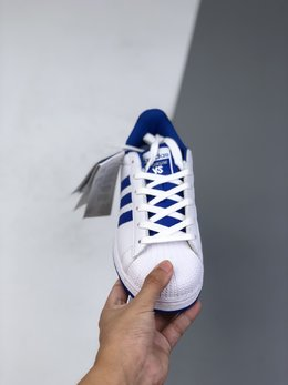 图2_36 44公司级Adidas Originals Superstar贝壳头经典百搭休闲小白板鞋 城市限定 渠道正品订单诠释市场最高工艺水平全鞋进口头层皮料打造货号 FV8272尺码 36 36 5 37 38 38 5 39 40 40 5 41 42 42 5 43 44 l51