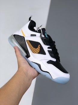图1_40 46公司级 耐克 Nike Air Jordan Mars 270 Aj合体鞋款 TPU组合鞋底半掌气垫缓冲篮球鞋 沿用了 Tom Sachs x Nike Mars Yard 最为火爆的轮廓设计高帮的附加设计凸显了鞋款机能性护腕 并选用了 Nike 最新科技式的空气大底 整体可以说是相当酷炫了 货号 CK1196 100 尺码 40 40 5 41 42 42 5 43 44 44 5 45 46 l70
