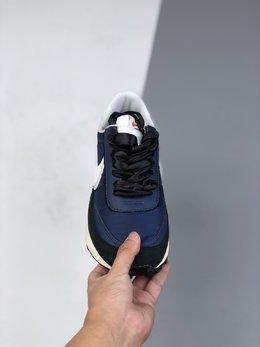 图2_36 45日式解构美学SACAI联名 NIKE LDV Waffle重叠设计前卫华夫变形休闲慢跑鞋 官方货号 884691 404 白黄蓝 sacai在SS19的发布会上展示了自己与Nike全新联名的系列 其中有两款鞋特别引人注目 这两款鞋均为混合鞋款 分别将Blazer与Dunk和Waffle Daybreak与LDV融为一体 采用了双鞋舌 双鞋带 双Swoosh的设计 并且每款鞋均有两种的配色方案 size 36 45 g9
