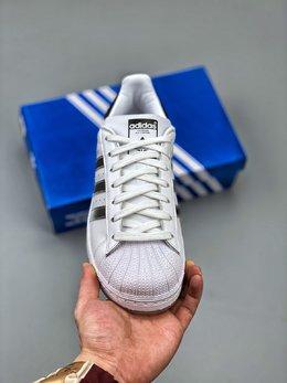 图2_Adidas 阿迪达斯 Superstar 贝壳头运动休闲板鞋 EG9289新配色采用新型Ortholite鞋垫透气防汗 区别市面通货 尺码 36 36 36 5 37 38 38 5 39 40 40 5 41 42 42 5 43 44