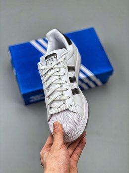 图3_Adidas 阿迪达斯 Superstar 贝壳头运动休闲板鞋 EG9289新配色采用新型Ortholite鞋垫透气防汗 区别市面通货 尺码 36 36 36 5 37 38 38 5 39 40 40 5 41 42 42 5 43 44