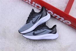 图2_登月跑步鞋系列 NIKE 耐克登月跑鞋 深灰黑货号 CJ0291 031尺码 39 40 41 42 43 44 45 Nike Air Zoom Vomero 7 登月7 贾卡网面超强加厚大底缓震跑步鞋