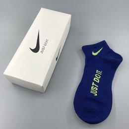 图3_Nike耐克 just do it彩色字母印花棉袜 一盒5双礼盒装短袜 男女同款休闲运动棉袜 均码