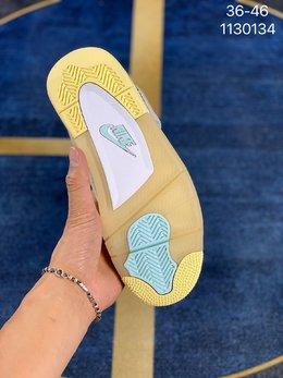 图3_公司级 带半码 Air Jordan 5 Island Green AJ5 郭艾伦 3M雪豹 中国风限定 郭艾伦 身之所往 整双鞋以经典的黑白主题打造 同时在鞋身中加入大面积的湖绿色 搭载同色调的半透明水晶外底 整体感觉极为清爽 而最大的亮点在于 白色的鞋面并不像看起来这么简单 其实暗藏玄机 独家 整个鞋面全部以 原厂定制3M500反光材质 3D打印雪 花打造 货号 CN2932 100 码数 40 40 5 41 42 42 5 43 44 45 46 编码 1130134